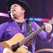 After Blaming Scalpers for Scarcity, Promotor Releases Hundreds of Last-Minute Garth Brooks Tickets