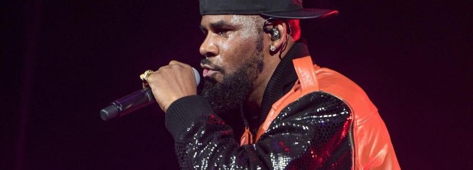 #MuteRKelly Movement Tries To Shut Down Singer's Jacksonville Show