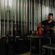 Kip Moore To Play Six-Date Dive Bar Tour, Acoustic Trek