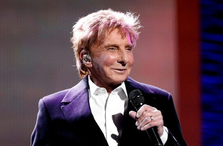 Barry Manilow Hospitalized, Postpones Residency Opening Weekend Shows