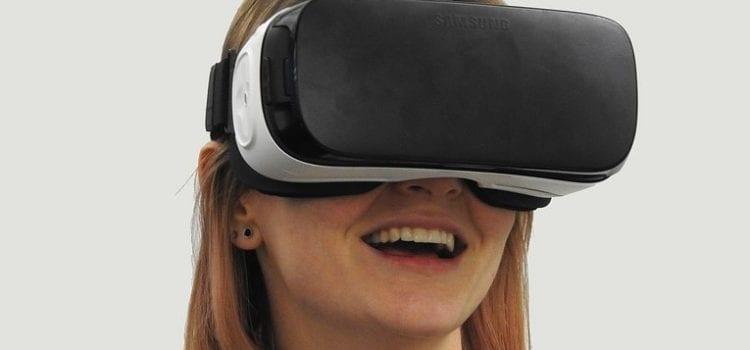 Billie Eilish Brings Tour To Fans Through Virtual Reality